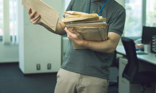 公務員と書類